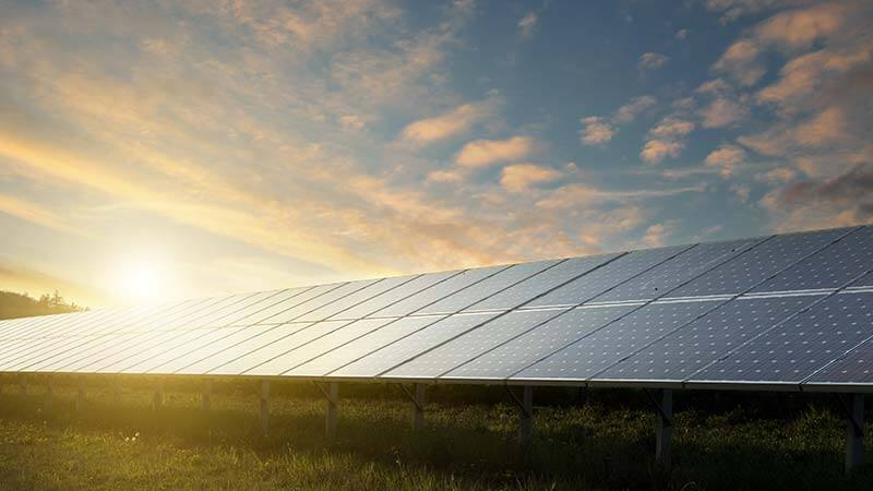 Snakk med oss om solceller. Elfag er nemlig sertifiserte montører av teknologien.