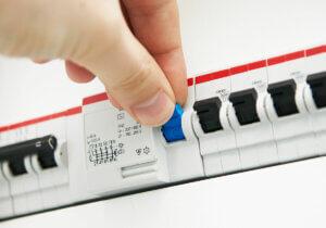 Å sikre el-anlegget med en jordfeilbryter er påbudt, og det med god grunn