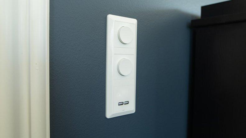I dag har man stadig mer behov for USB-tilkoblinger, ved siden av de tradisjonelle stikkontaktene