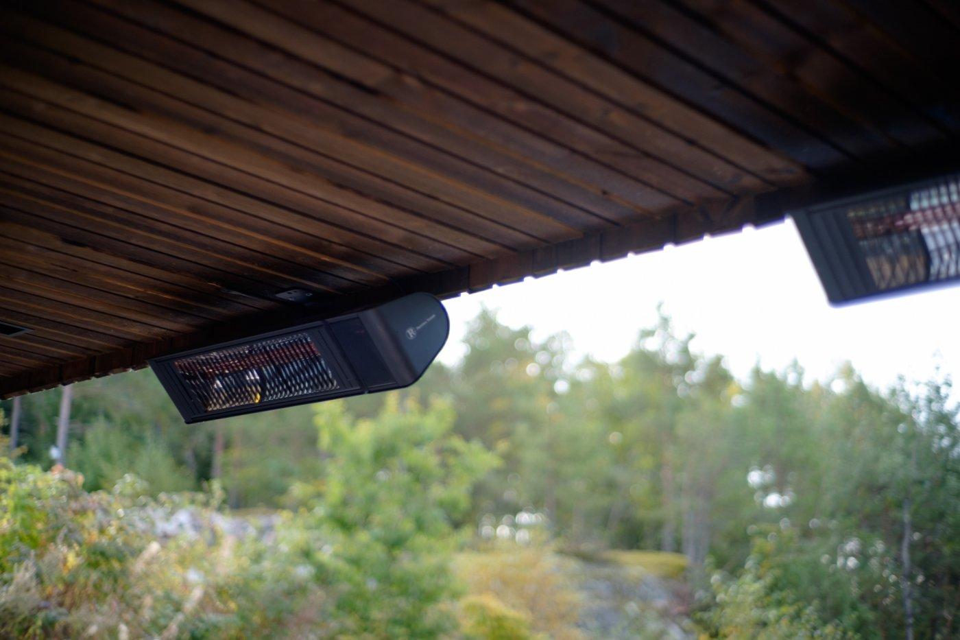varmelampe ute under tak