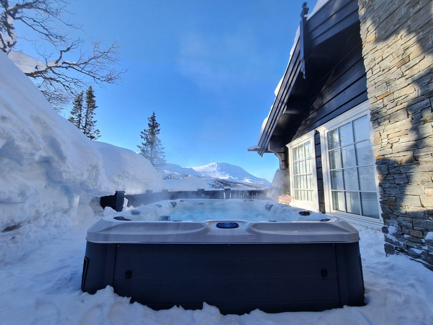 boblebad om vinteren med utsikt